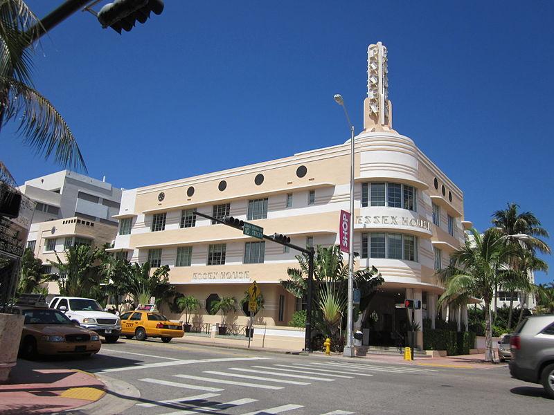 800px-Miami_Beach_Essex_House
