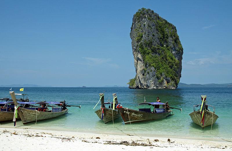 800px-Poda_island_beach