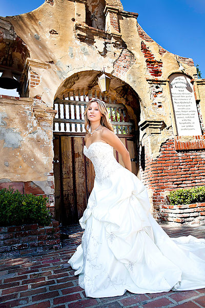 400px-Wedding_photography